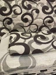 Colcha portuguesa  com porta travesseiro