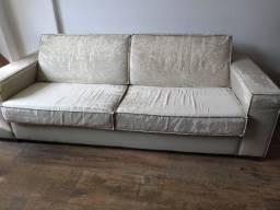Sofá de 3 lugares em courino (arranhado)