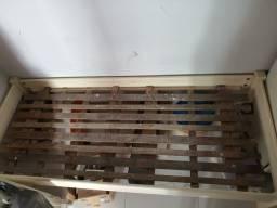 Cama madeira maciça ótimo estado
