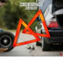 2 triângulos de segurança veicular