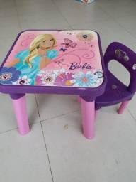 Mesinha barbie com cadeirinha