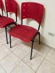 Cadeira Empilhável Plástica Vermelha  3 Unidades