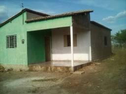 Aluga-se casa, 2 quartos, no Bairro Pantanal, Picos-PI