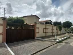 Passaré, Casa duplex em condomínio com 02 vagas de garagem
