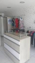 Vendo móveis para loja