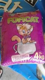 Areia sanitária granulada para gatos