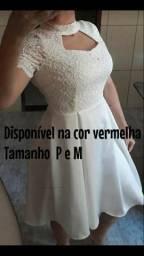 Vendo este vestido na cor vermelha
