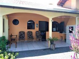 Casa com ar-condicionado, para 6 pessoas localizada na Barra do Saí