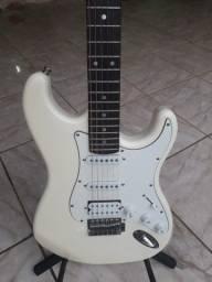 Guitarra seme nova