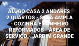 ALUGO CASA 2 ANDARES AMPLA