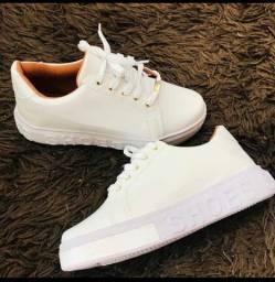 Tênis shoes
