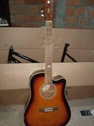 Vendo esse violão elétrico por apenas 500,00