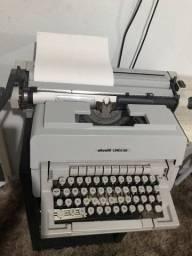Máquina de datilografar Olivetti LINEA 98