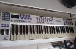 Teclado Controlador MIDI - Waldman Carbon - 61 teclas