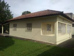 Excelente Casa com Amplo Terreno Otima Localizaçao