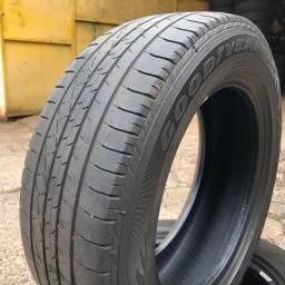 Dois pneus 185/65/15 Goodyear Eagle Excelence