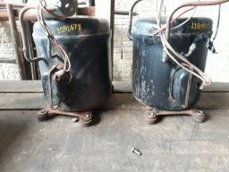Dois compressores alternativos