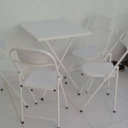 Conjunto dobrável de ferro 1 mesa e 4 cadeiras