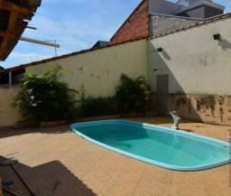 Casa com 3 dorm, terreno de 300 m com piscina no Jd Samira