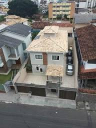 Casa com 5 suítes e lazer completo na Praia do Morro.
