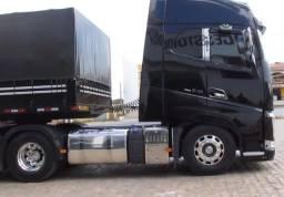 Caminhão Volvo FH 540 Bitrem