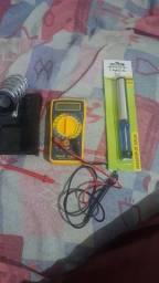 Multimetro, base pra ferro de solda e sugador de solda