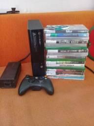 Vendo Xbox super slim desbloqueado rgh um controle original leia o anúncio todo ok