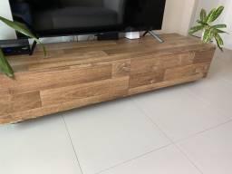Rack para TV em madeira maciça