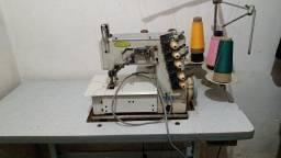 máquina de costura profissional