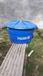 Vendo caixa d'água Tigre