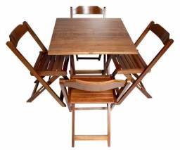 Conjunto de Mesas e Cadeiras Dobráveis em Madeira de Lei