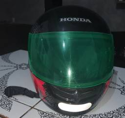 Vendo este capacete marca Honda