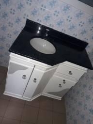 Balcão de pia com mármore preto stheelar