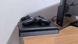 PS4 SLIM 1TB + 2 CONTROLES
