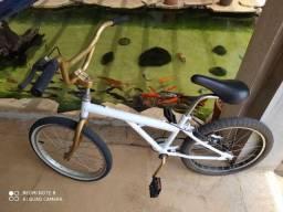 Bicicleta Caloi Cross nova