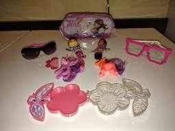 Bonecas e brinquedos