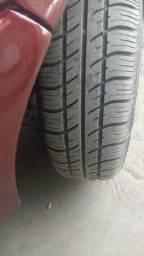 rodas da GM 14 com os 4 pneus novos
