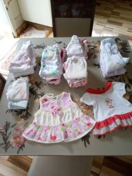 Roupinhas de Bebê usadas