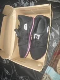 Sapatilhas e calçados novos infantil