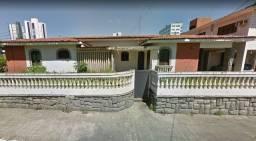 Casa com terreno de 504 m² em Estados com fachada diferenciada