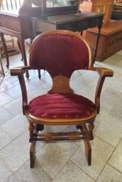 Antiga cadeira de balanço