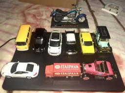 Miniaturas carros brinquedos *Ler anúncio*