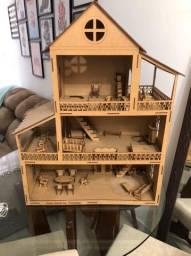 Vendo casinha de boneca Polly  ou Lol vômito móveis