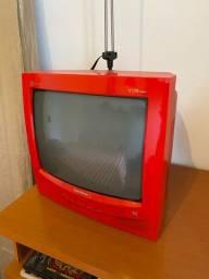 TV antiga pequena decorativa