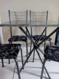 Oferta!! Conjunto Mesa com 4 Cadeiras - Só R$459,00