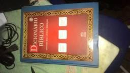 Dicionário bíblico com 600pg leia