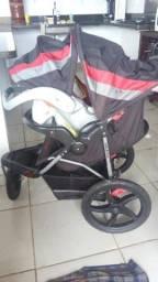 Carrinho + bebê conforto Baby Trend semi novo