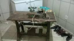 Vende-se uma maquina industrial de costura