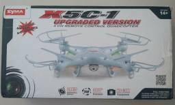Drone em excelente estado com 5 baterias e 3 jogos de hélices extras!!!
