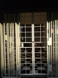 Salão comercial de esquina